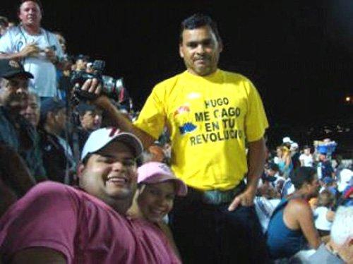 """""""Hugo me cago en tu revolución"""". A los tribunales por una camiseta"""
