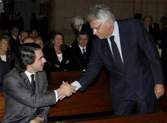 http://foropolitico.es/wp-content/uploads/2011/01/Felipe_Gonzalez_Aznar_funeral_Calvo-Sotelo.jpg