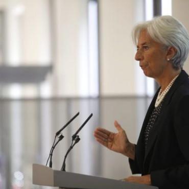 Legarde calienta más aún el ambiente de la crisis griega