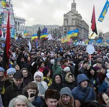 En medio del conflicto armado, elecciones en Ucrania